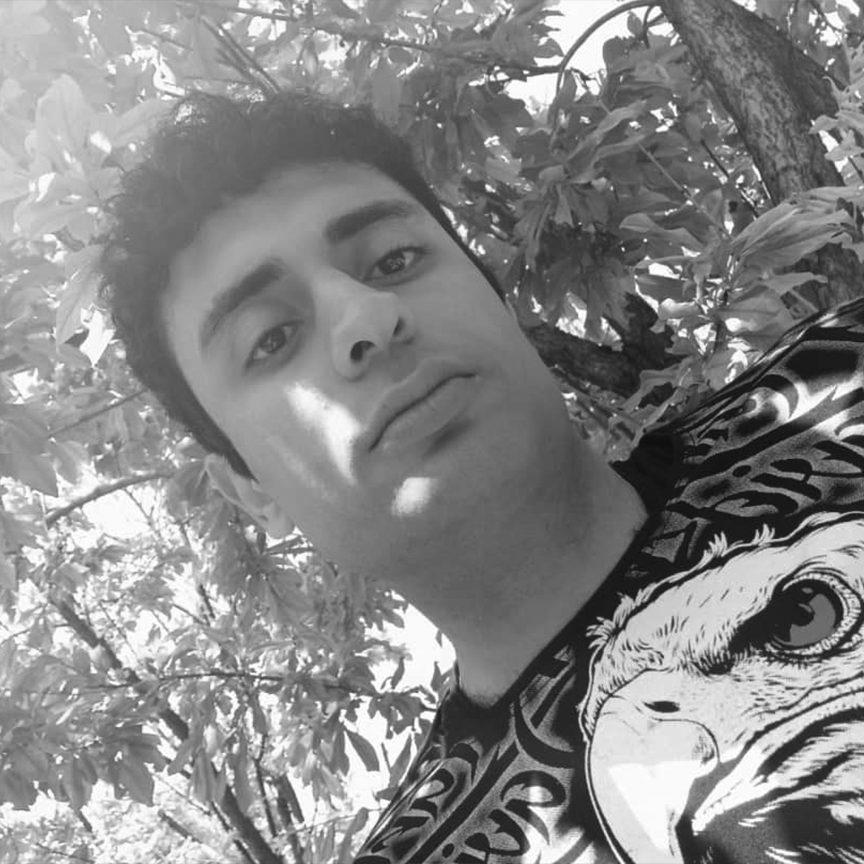 علی حاجی اکبری